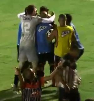 Comemoração gol Nacional de Muriaé x Uberaba (Foto: Reprodução/TV Integração)