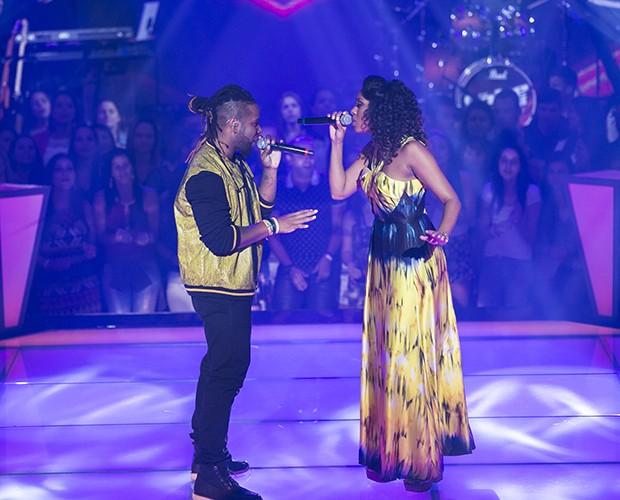 """Ao som de """"Não Precisa Mudar"""", Amarildo e Vanessa duelam no palco do The Voice Brasil (Foto: Isabella Pinheiro/Gshow)"""