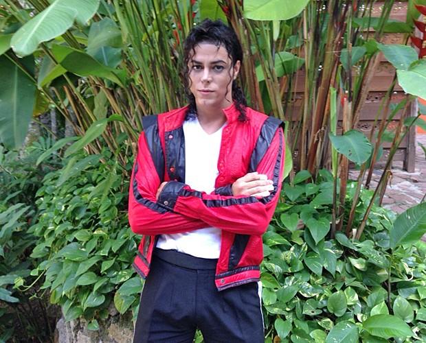 Rodrigo Teaser é o único sósia de Michael Jackson, no mundo inteiro, reconhecido pelo site oficial do cantor (Foto: Talita Mendes / Gshow)