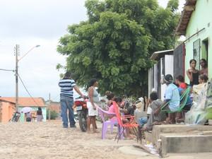 Velório do menor de 17 anos acontece na casa dos avôs (Foto: Gil Oliveira / G1)