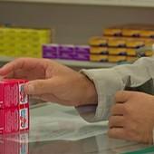 Anvisa suspende lote de paracetamol (Reprodução/TV Diário)