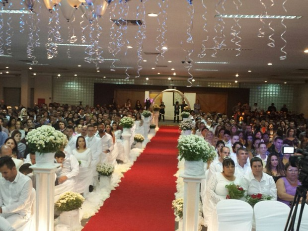 Cada casal teve direito a convidar 20 pessoas para casamento coletivo homoafetivo em SC (Foto: Amigos em Ação/Divulgação)