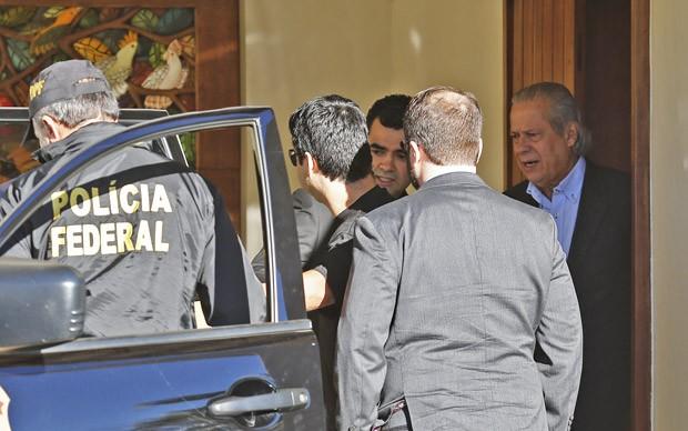 O ex-ministro da Casa Civil José Dirceu é preso em casa em Brasília como parte da 17ª fase da Operação Lava Jato, batizada de Pixuleco (Foto: Dida Sampaio/Estadão Conteúdo)