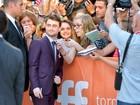 Daniel Radcliffe faz a alegria de fãs em première no Canadá