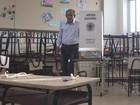 Iris Rezende vota em colégio de Goiânia