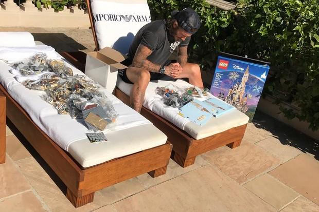 David Beckham e 4 mil peças de Lego. É isso mesmo (Foto: Reprodução/Instagram)