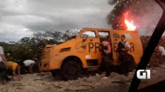 Bandidos explodem carro-forte na BR-304 no RN; veja vídeo