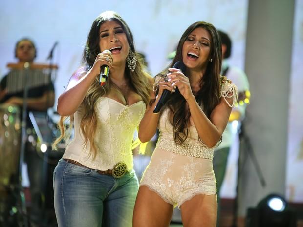 Dupla As Coleguinhas, formada por Simone e Simaria, fazia back vocals para Frank Aguiar no início de carreira (Foto: Divulgação)