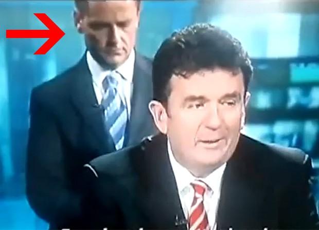 Aengus Mac Grianna apareceu atrás de um convidado durante a transmissão (Foto: Reprodução)