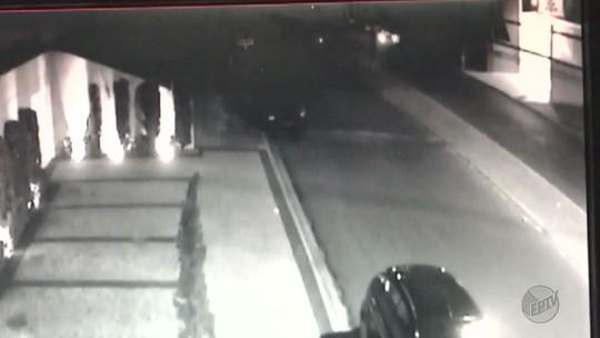 Câmera flagra acidente que matou jovens de 18 e 22 anos em avenida de Bebedouro