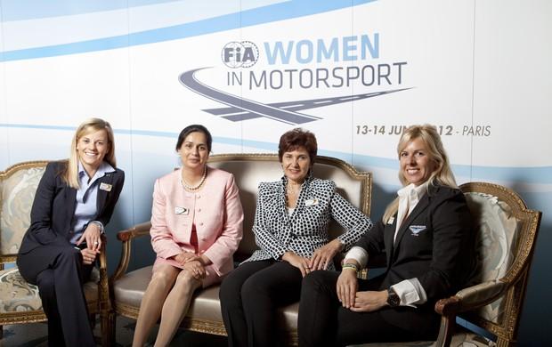 Monisha Kaltenborn, Susie Wolff, María de Villota, Michèle Mouton (Foto: Divulgação)