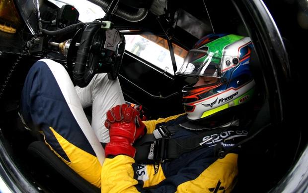 Felipe Fraga se concentrando para entrar na pista na etapa de Cascavél-PR (Foto: Divulgação/Bruno Terena)