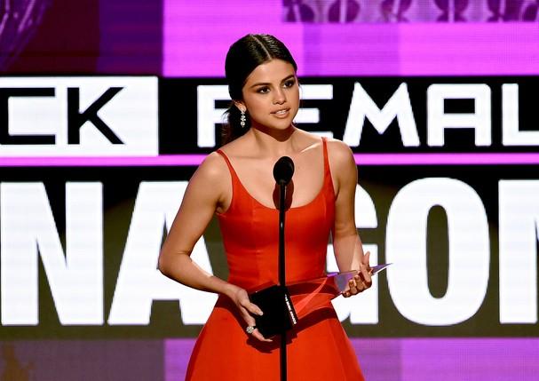 Selena Gomez emocionou a plateia com seu discurso (Foto: Getty Images)