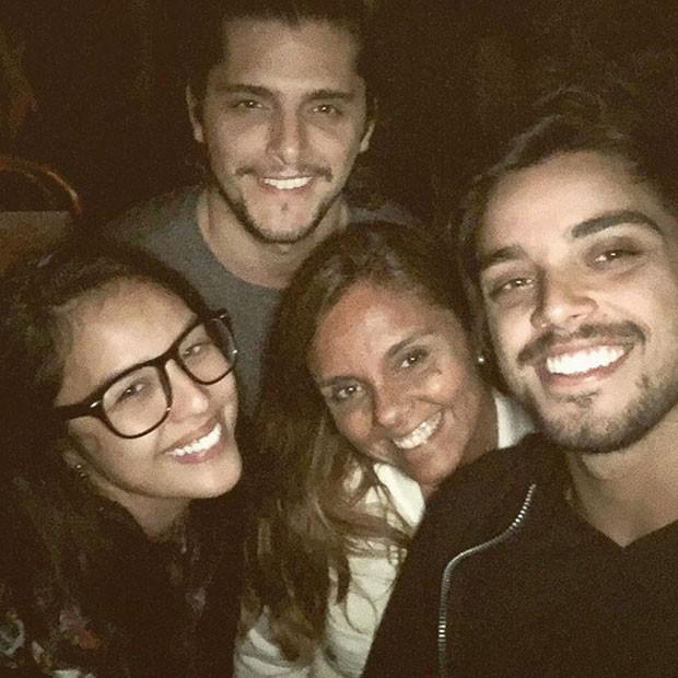 Yanna Lavigne, Bruno Gissoni, Ana Paula Sang e Rodrigo Simas (Foto: Instagram/ Reprodução)