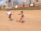 Carol Magalhães leva tombo durante treino na praia: 'Vídeo cassetada'
