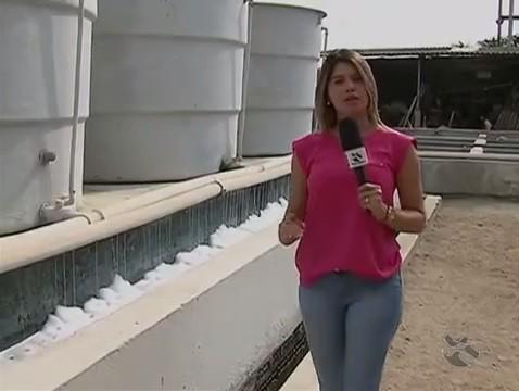 Monike Freitas em Toritama (Foto: Reprodução / TV Asa Branca)