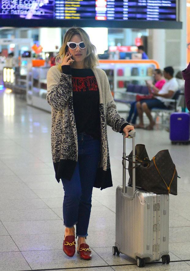 Giovanna: estilo no aeroporto (Foto: AgNews)