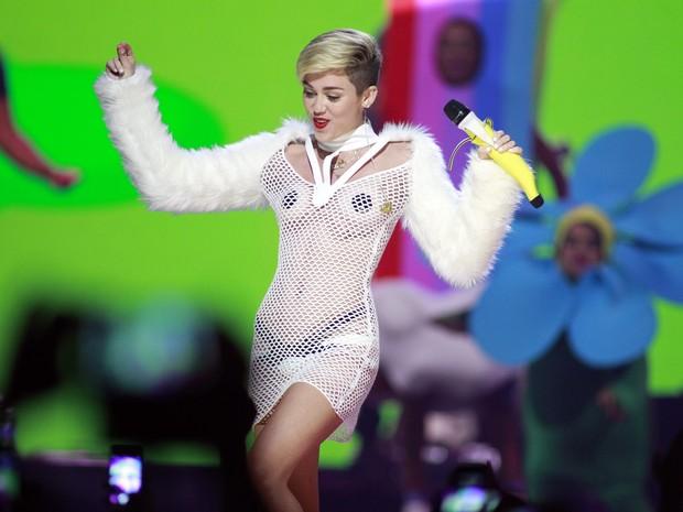 Miley Cyrus em evento em Las Vegas (Foto: Reuters)