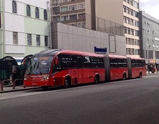Bom Dia Paraná greve ônibus (Foto: Paola Manfroi / RPC TV)