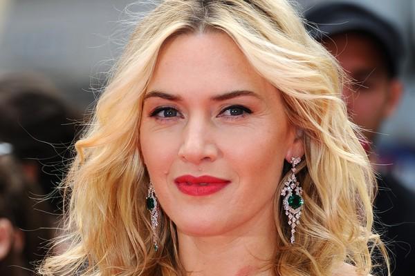 Kate Winslet está feliz em seu terceiro casamento com Ned Rocknroll, com quem teve um filho no fim do ano passado. Ela tem uma filha com seu primeiro marido, Jim Threapleton, e um filho com o segundo, Sam Mendes (Foto: Getty Images)