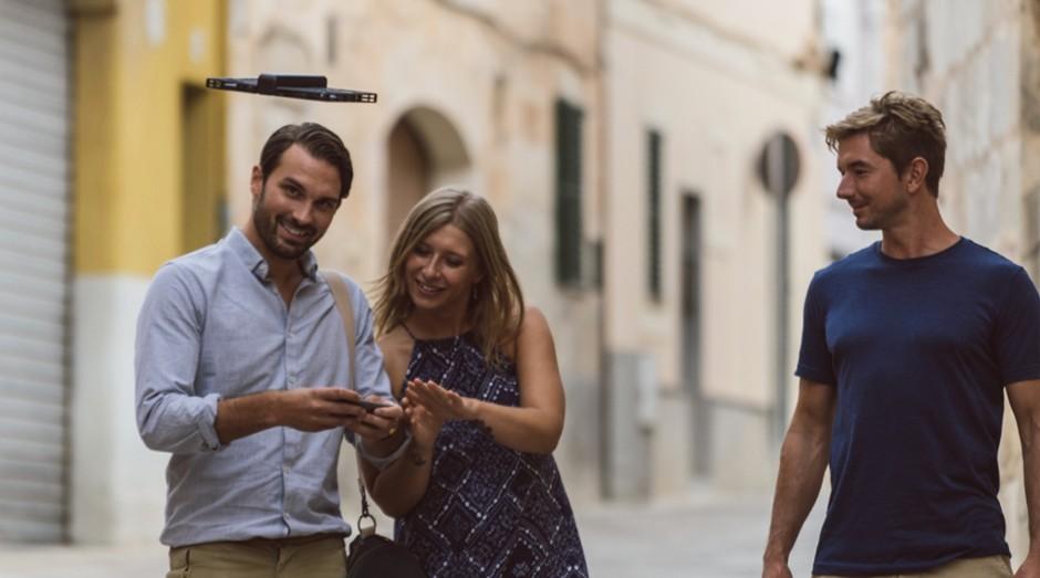 O Hover Camera Passport deixa as mãos dos usuários mais livres (Foto: Divulgação)