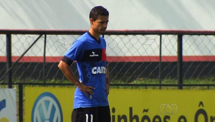 Juninho - atacante do Atlético-GO (Foto: Reprodução / TV Anhanguera)