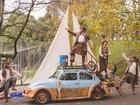 Fentepira apresenta 'As aventuras do fusca à vela' em praça de Piracicaba