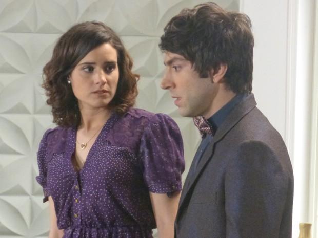 Lara fica em choque e Shin foge com Tomás (Foto: Angélica Bastos/Gshow)