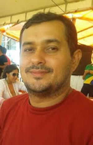 Blogueiro Roberto Lano, morto a tiros em Buriticupu (MA) (Foto: Reprodução / Blog Roberto Lano)