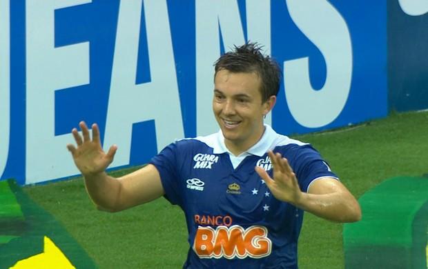 Dagoberto, atacante do Cruzeiro (Foto: Reprodução / TV Globo Minas)