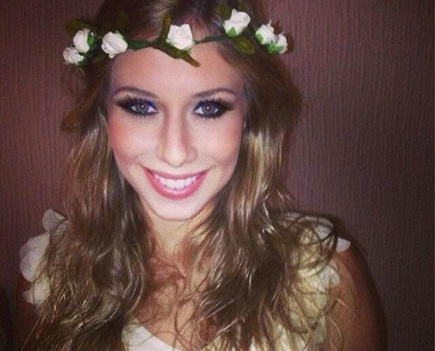Dani em estilo romântico com o cabelo mais ondulado (Foto: Arquivo Pessoal)