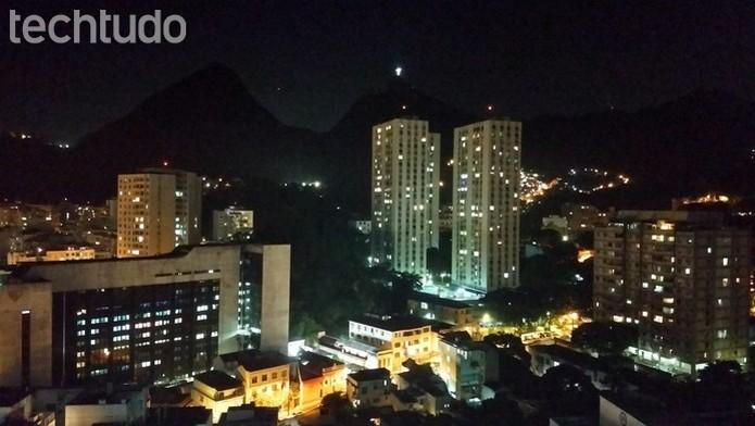 Foto noturna, capturada com a câmera do Z2 Play.  (Foto: João Gabriel Balbi/TechTudo)