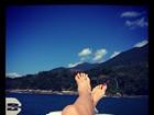 Mordomia! Luciana Gimenez posta foto em momento 'relax'
