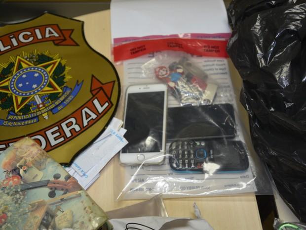 Material encontrado com empresário começara a ser periciado pela Polícia Federal (Foto: Divulgação PF)