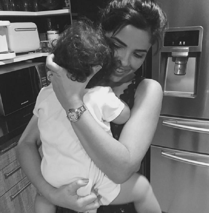 Vanessa Giácomo com  a pequena Maria  (Foto: Arquivo Pessoal)