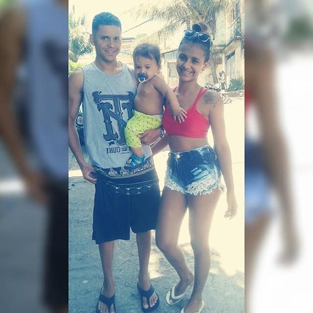 Renatinha Maravilha com a família (Foto: Reprodução/Instagram)
