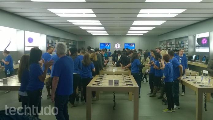 iPhone 6 e iPhone 6 Plus tem vendas liberadas no Canadá e em outros países (Foto: Elson de Souza/TechTudo)