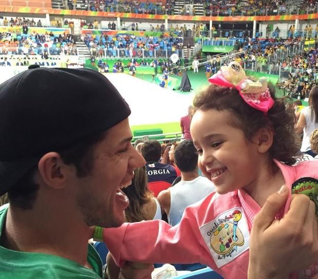 José Loreto se diverte durante luta de judô na Olimpíada Rio 2016 (Foto: Reprodução/Instagram)
