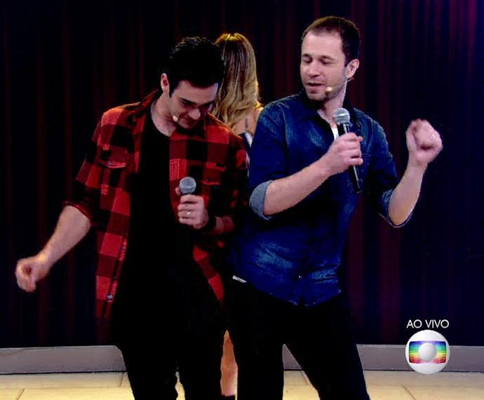 Marcos Veras e Tiago Leifert fizeram até dancinha (Foto: TV Globo)