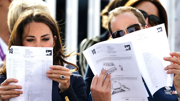 Príncipe William e a duquesa Kate na prova de hipismo em Londres (Foto: AP)