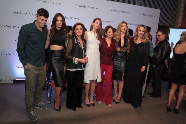 Grazi Massafera e outros famosos na coletiva da novela Verdades Secretas (Foto: Alex Palarea e Marcello Sá Barretto / AgNews)
