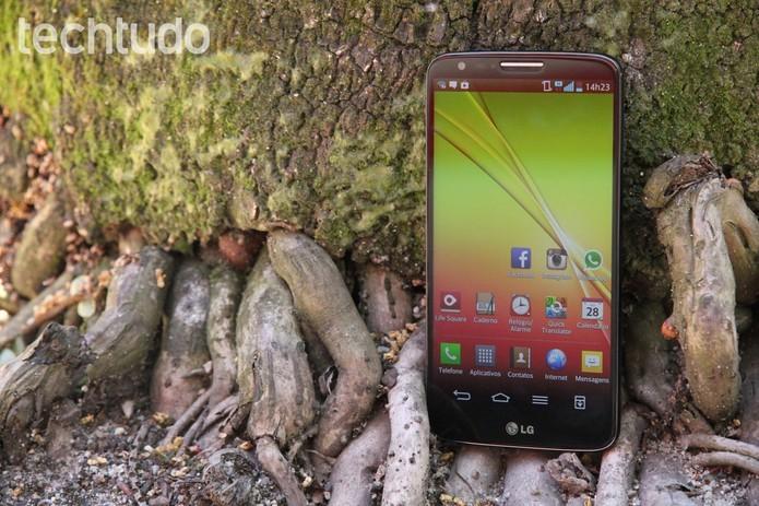 LG G2 oferece display com 5,2 polegadas Full HD (Foto: Luciana Maline/TechTudo)