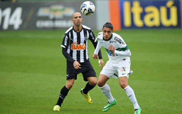 Dudu Diego Tardelli Coritiba x Atletico-MG (Foto: Getty Images)