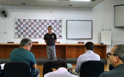 Reunião de segurança para o jogo Palmeiras x Atlético-pr (Foto: Leonardo Lourenço)