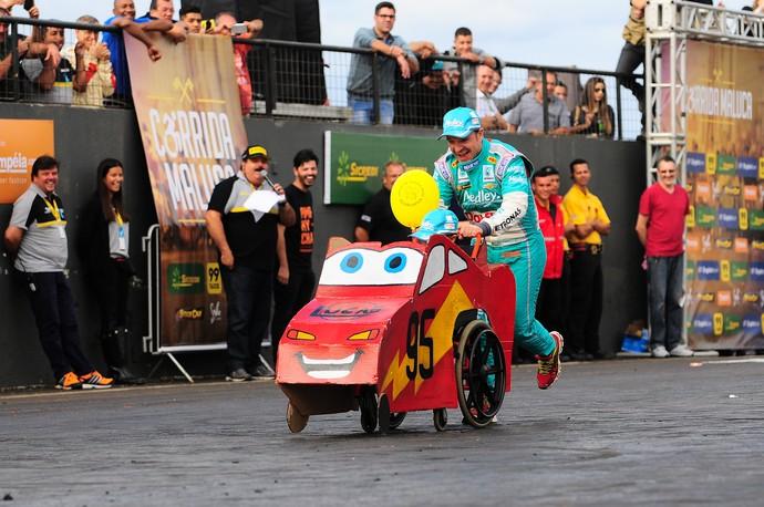 Rubens Barrichello - Corrida Maluca - Stock car (Foto: Duda Bairros / Divulgação)