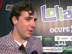 Sam Halliday, guitarrista do Two Door Cinema Club, quer conhecer o samba brasileiro (Foto: G1)