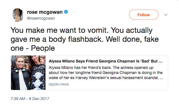 A mensagem na qual Rose McGowan critica Alyssa Milano por seu apoio público à ex-esposa de Harvey Weinstein (Foto: Twitter)