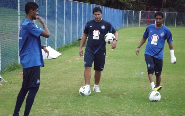 Ávine e Alysson em treino do Bahia  (Foto: Divulgação/EC Bahia)