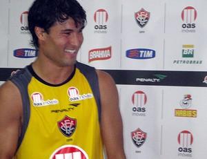 pedro ken, meio-campo do vitória (Foto: Raphael Carneiro/Globoesporte.com)