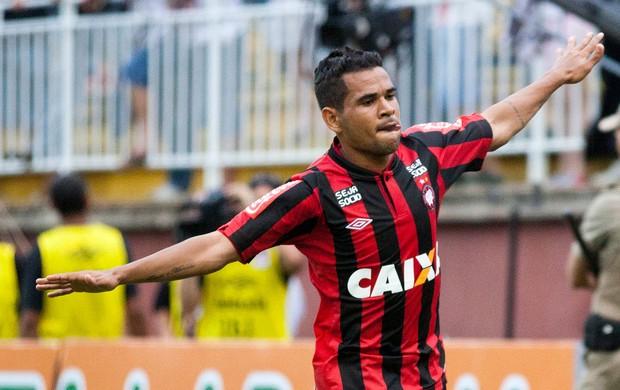 Ederson comemoração Atlético-PR contra Vasco (Foto: Heuler Andrey / Agência Estado)